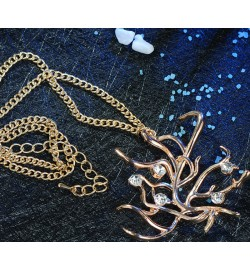 2017 Beauty and the Beast Belle Necklace Cosplay Rose Tree Pendant